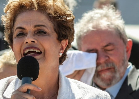 Lula chora 2