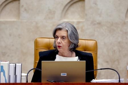 Carmen Lúcia 12