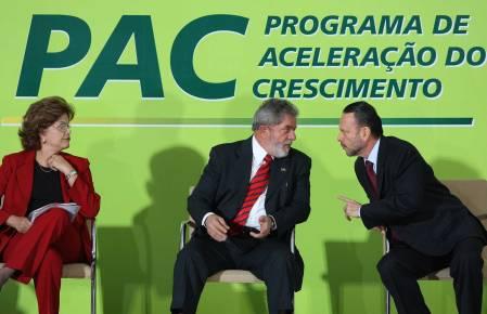 Luciano Coutinho e Lula 11