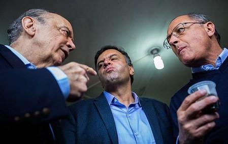 Aécio e Alckmin visitam estação Vila Prudente do Metrô